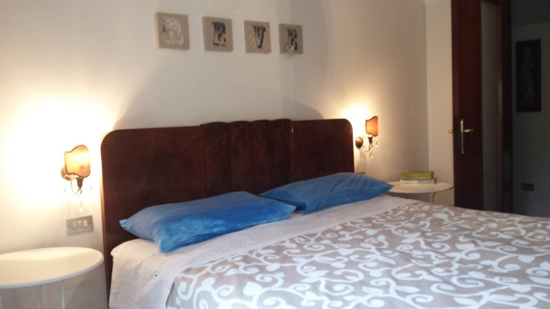 Ampio appartamento vicinissimo al mare ed in zona centrale, vacation rental in Spoltore