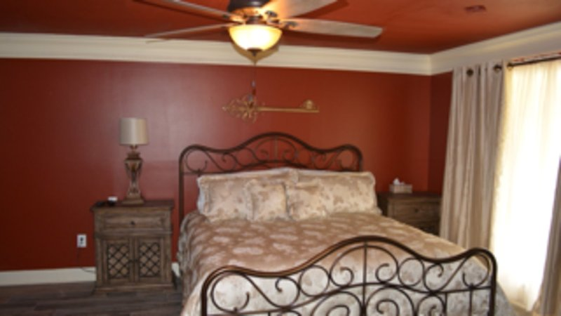 Mater suite with King size bed