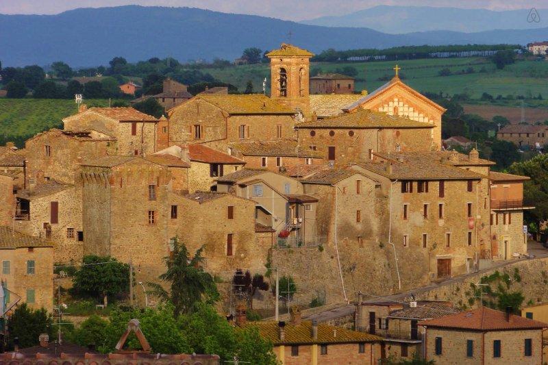 Un Petit Paradis Romantic, vacation rental in Castiglione della Valle