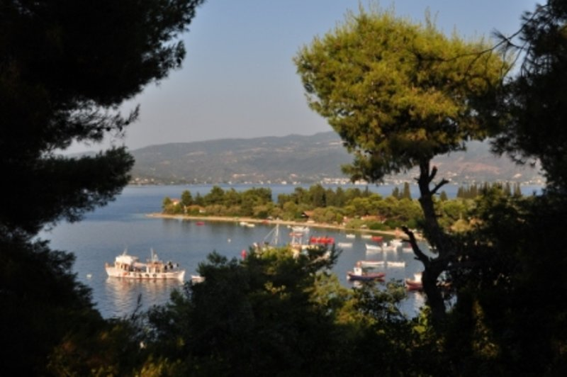 139 STEPS FROM THE SEA, vacation rental in Kamena Vourla