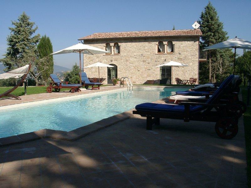 Villa Casolare          Podere Caldaruccio, holiday rental in Piccione