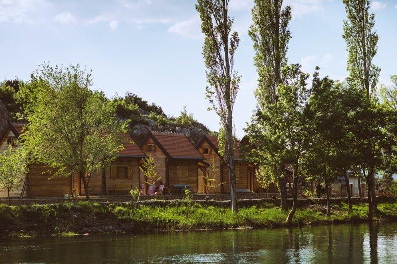 River huts Zrmanja, aluguéis de temporada em Gracac