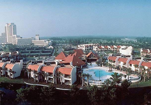 Luxury resort in the center of all activities.