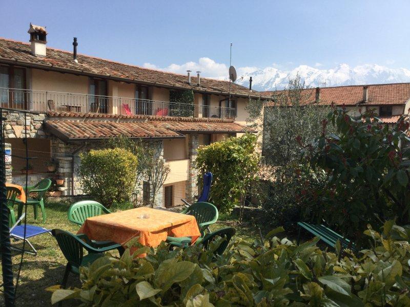 CASA RITA - APPARTAMENTO 4, casa vacanza a Tremosine sul Garda