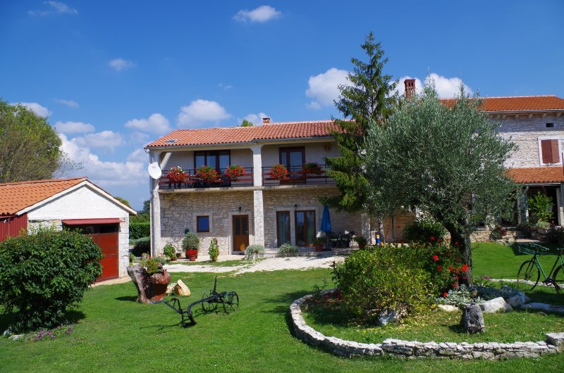 Holiday apartment in pittoresque Istrian village, holiday rental in Bibici