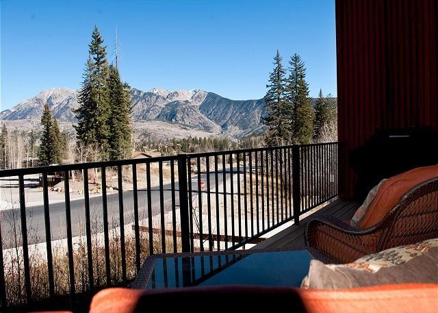Professionally Decorated Luxury Townhome - Views - Ski in/Out, holiday rental in Durango