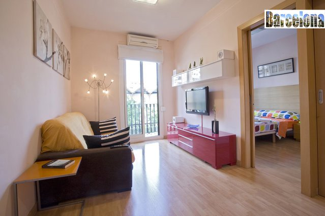 BARCELONA CENTRIC APARTMENT, 2 BEDROOMS, WIFI, A/A, vacation rental in Barcelona