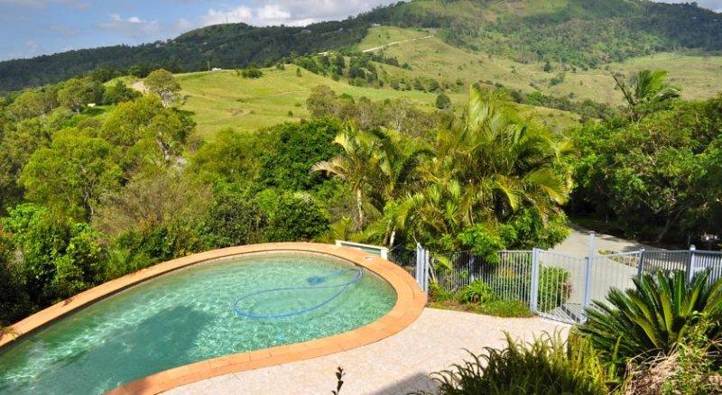 Highwood Park B&B Guest Lodge, vacation rental in Balmoral Ridge