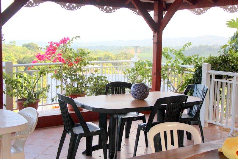 Appartement Dans Villa, Grande Térrasse, Vue Magni, holiday rental in Marigot