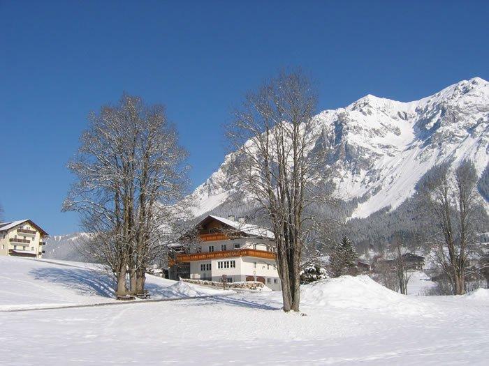 Haus Heidi in winter