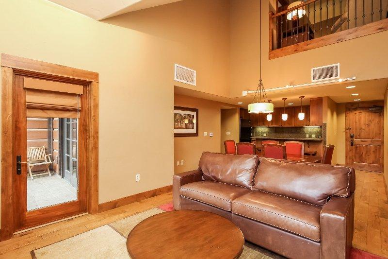 Lodge 414 - Living room sofa sleeper