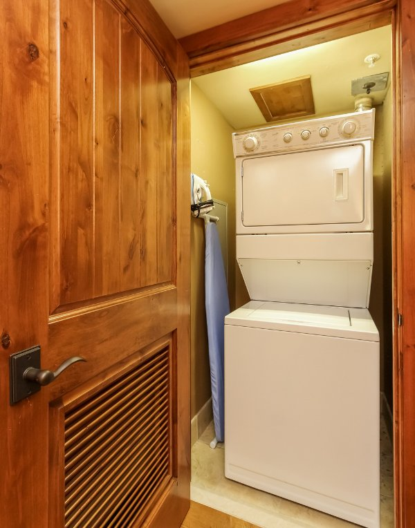 Lodge 414 - Washer and Dryer in home