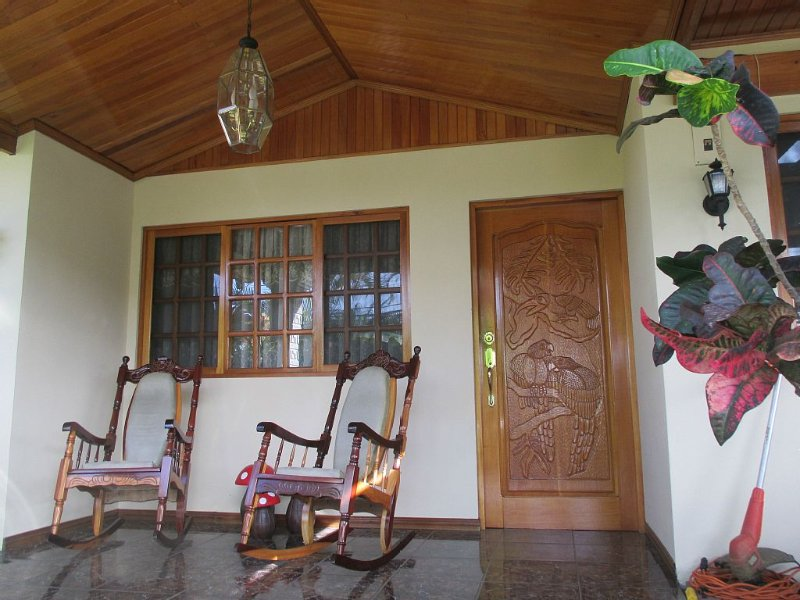 3 Bedroom Home in Costa Rica – semesterbostad i Zarcero