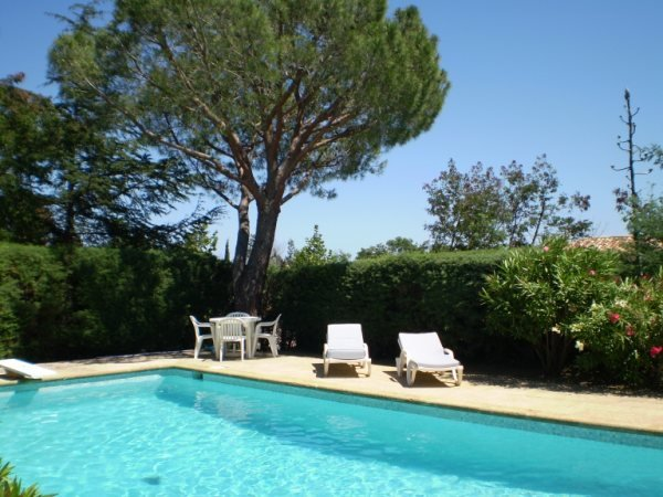 Nice villa with pool in a quiet private estate in the Gulf of St. Tropez