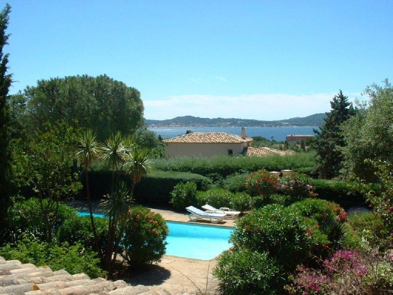 Ευχάριστο βίλα με πισίνα σε μια ήσυχη ιδιωτική περιουσία στον Κόλπο του Saint Tropez