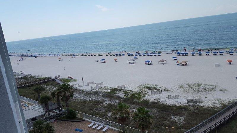 la playa desde nuestro balcón privado