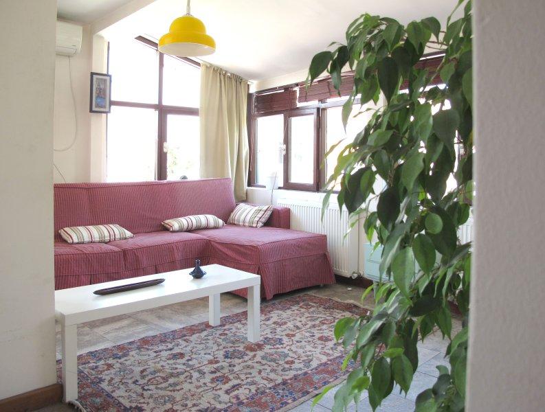 Lovely Cihangir studio