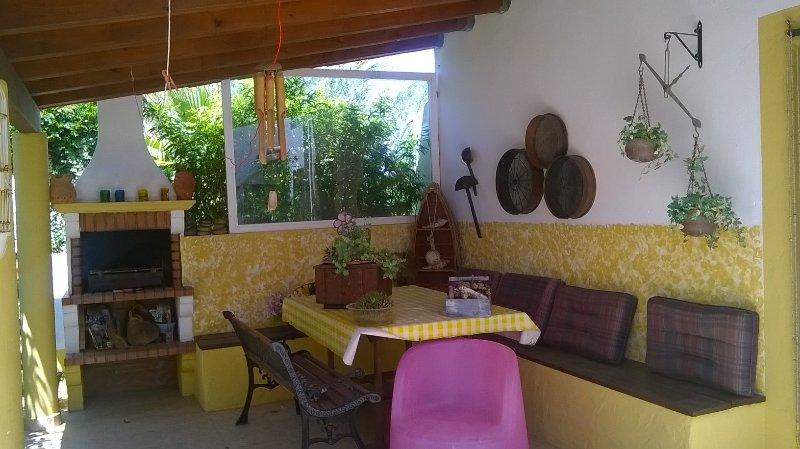 Casa no jardim com dois quartos, vacation rental in Cercal