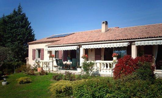 2 pièces prés du lac de SAINTE CROIX, holiday rental in Montmeyan