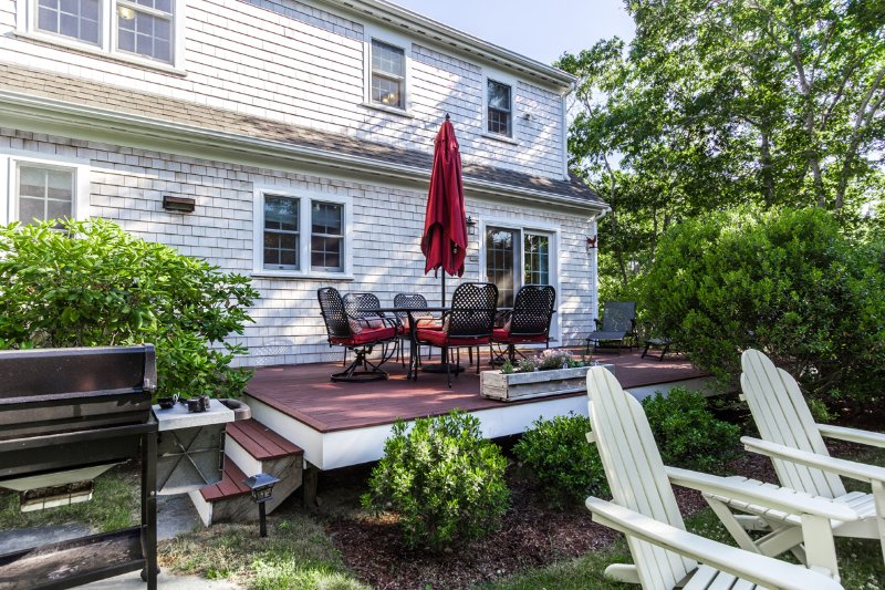 Deck and Grilling Area