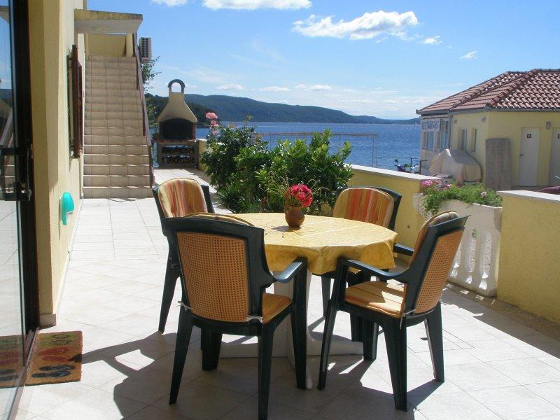 Beach Apartments Knezak, Island Iz, Zadar, Croatia, holiday rental in Iz