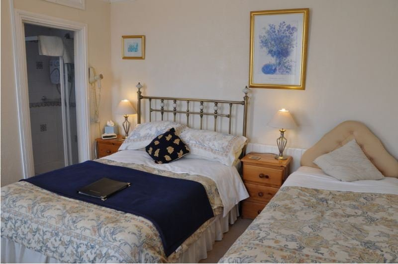 Brook House Family En-suite Room 5, holiday rental in Weedon
