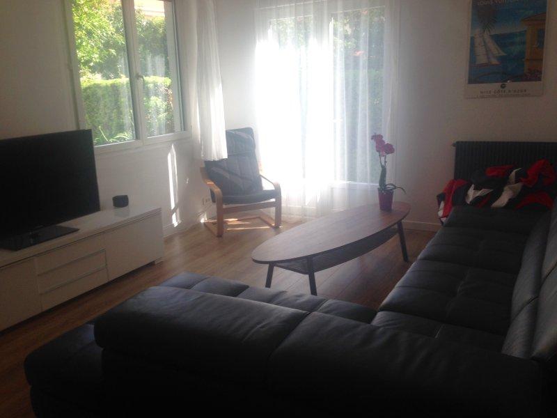 appartement 60m2, calm, sunny, garden, parking, location de vacances à Falicon