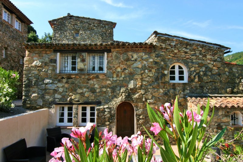 Hameau des Claudins nr. 1 St. Martin 2 - 4 persons, holiday rental in Plan de la Tour