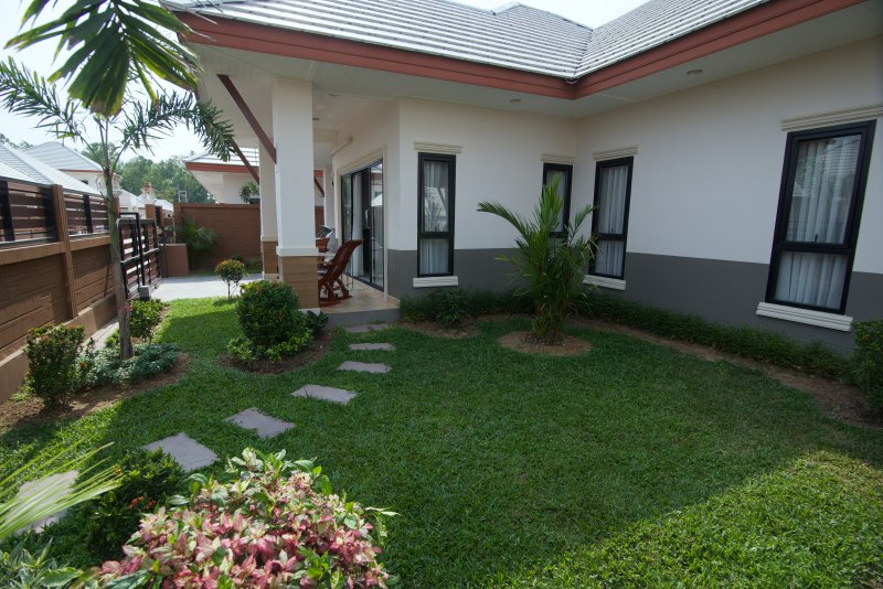 Enjoy Deemak homestay in Pattaya area with us!, holiday rental in Pattaya