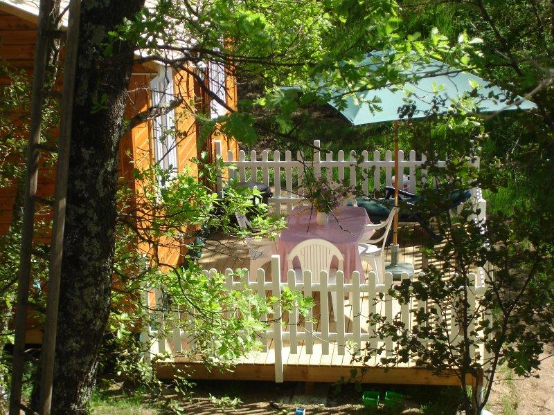 chalet endroit magique avec piscine privee, location de vacances à La Cadière-et-Cambo