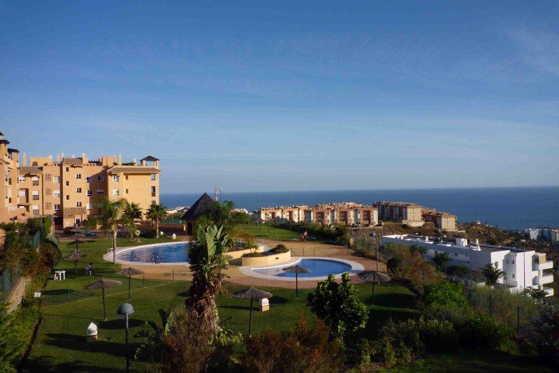 Apartamento 9 personas, luminoso con A.A. y Wifi - OZONO DESINFECCION, vacation rental in Malaga