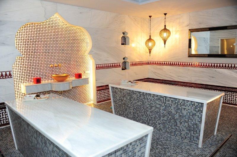 No site Beauty SPA, cabeleireiro, ginásio, classes, Wi-Fi, cafe.Try uma massagem Hammam. taxa extra