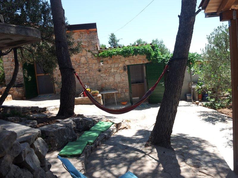 Robinson house  KATA, holiday rental in Milna
