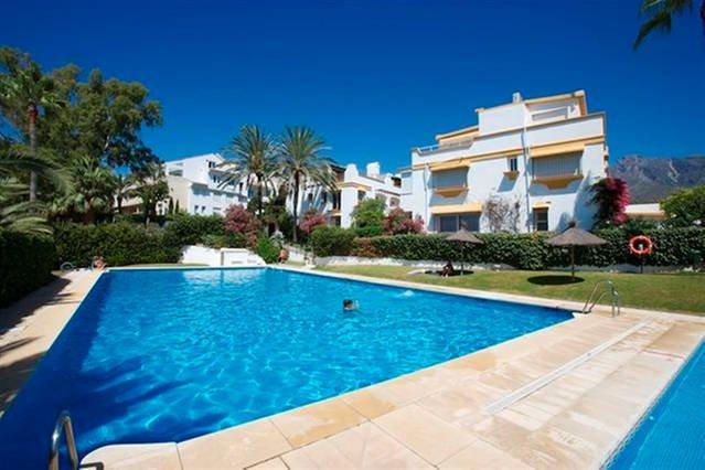 LUXURY HOUSE GOLDEN MILE MARBELLA, vacation rental in Marbella
