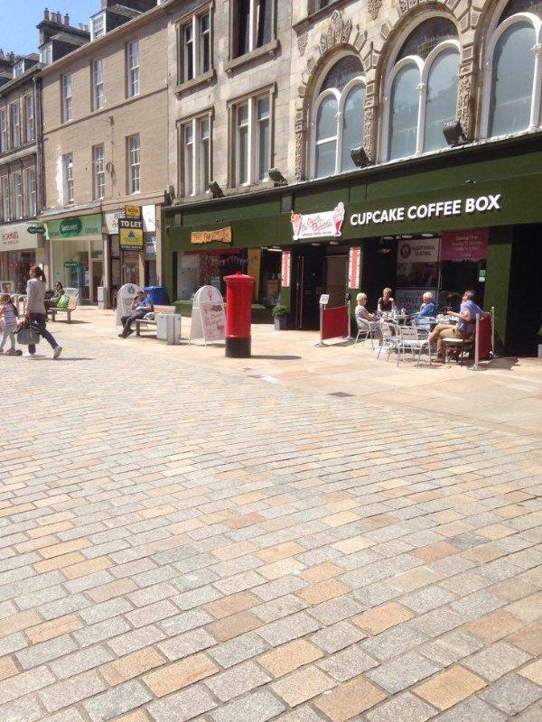 Agradable cafetería en la High St.