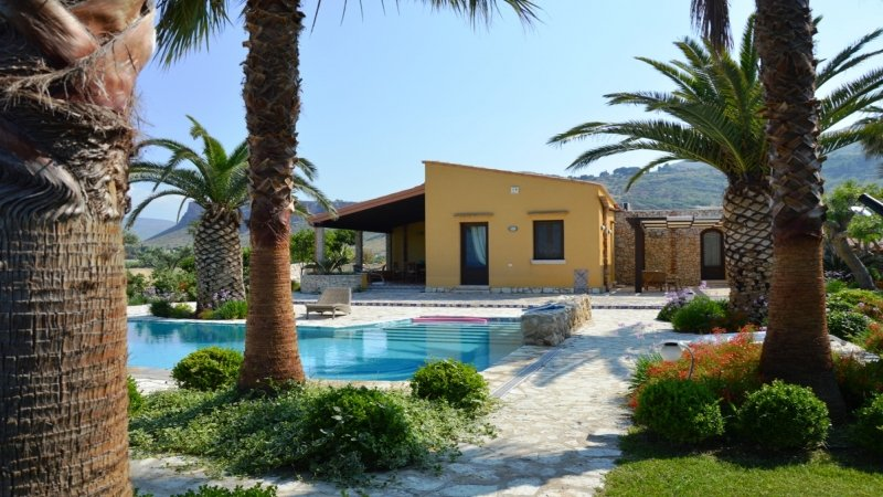 Villa Cialoma, vacation rental in Castellammare del Golfo
