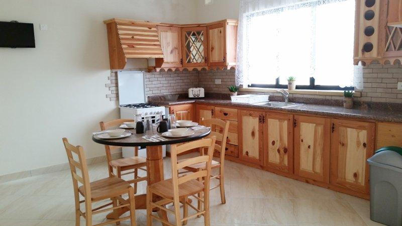 Tal-Marga B&B 3 bedroom apartment, location de vacances à Qala