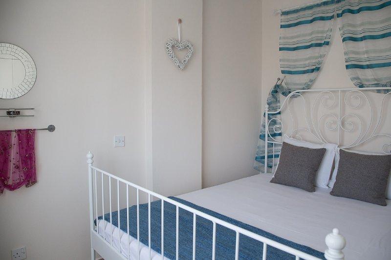 Love Hut Bedroom