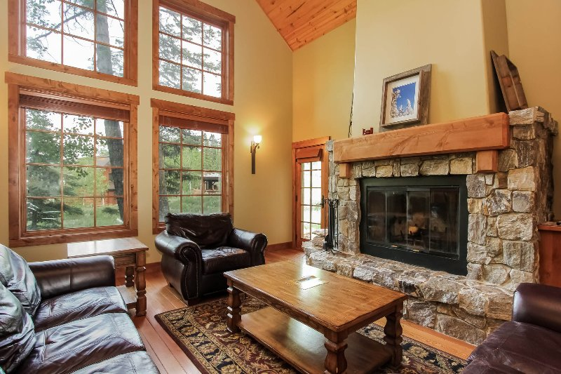 Discovery Chalet 256 - Large stone fireplace