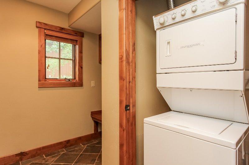 Escalera Chalet 15 - Lavadora y secadora en el hogar