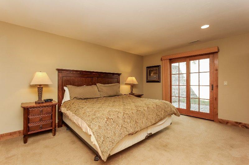 Escalera Chalet 15 - Tercer dormitorio de invitados cama de matrimonio