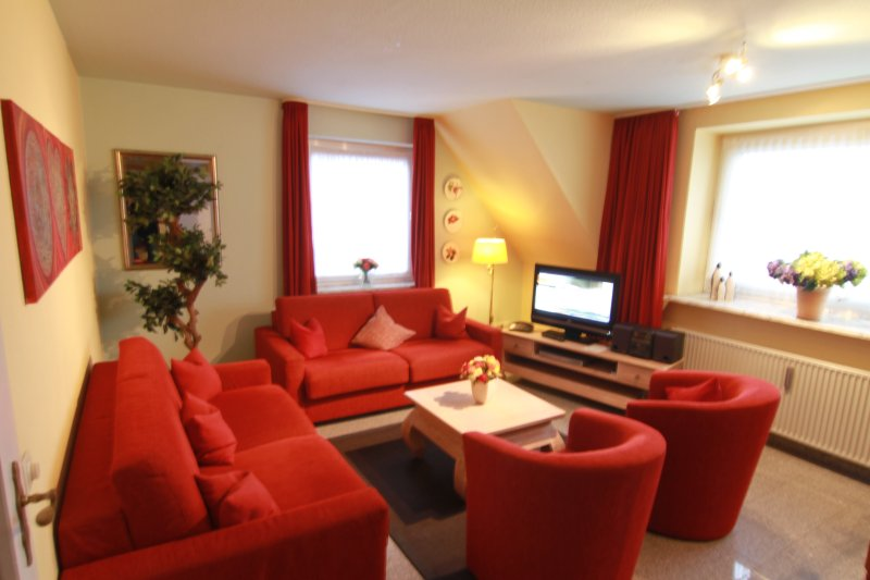 Sylt-Westerland 4 sep. Ferienwohnung3, 1OG  INTERN, vacation rental in Westerland