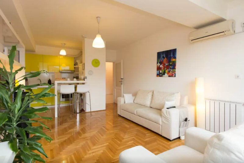 Modern Apartment in Sarajevo, holiday rental in Semizovac