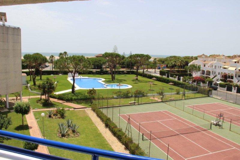 Apartamento de lujo a 20 metros de la playa, holiday rental in El Portil