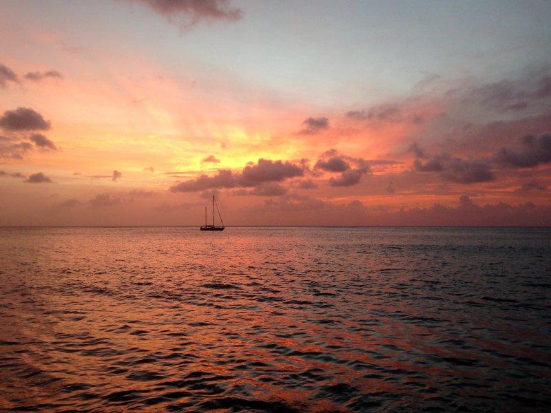 Puesta de sol con vistas al mar de La Pagerie