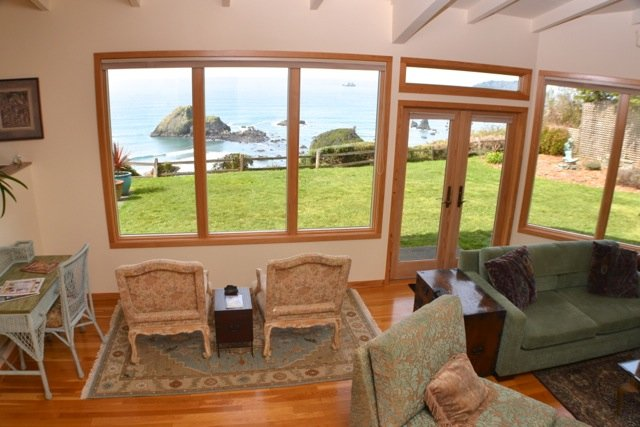 Enter the ShellSeeker and walk into its ocean view  living room