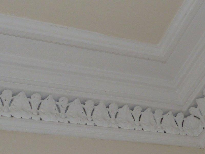 cornicing soffitto vittoriana in soggiorno e camera da letto