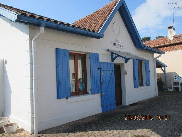 VILLA TYPIQUE DE PECHEURS AU CALME EN CENTRE-VILLE, vacation rental in Capbreton