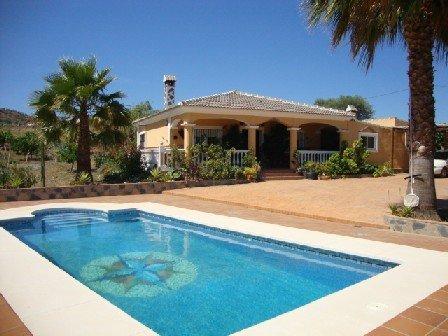 Lovely villa set in rural location