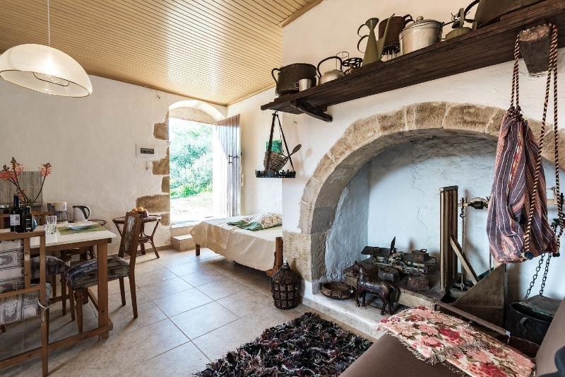 tsikalaria traditional stone house  for 6 people, alquiler vacacional en Kissamos